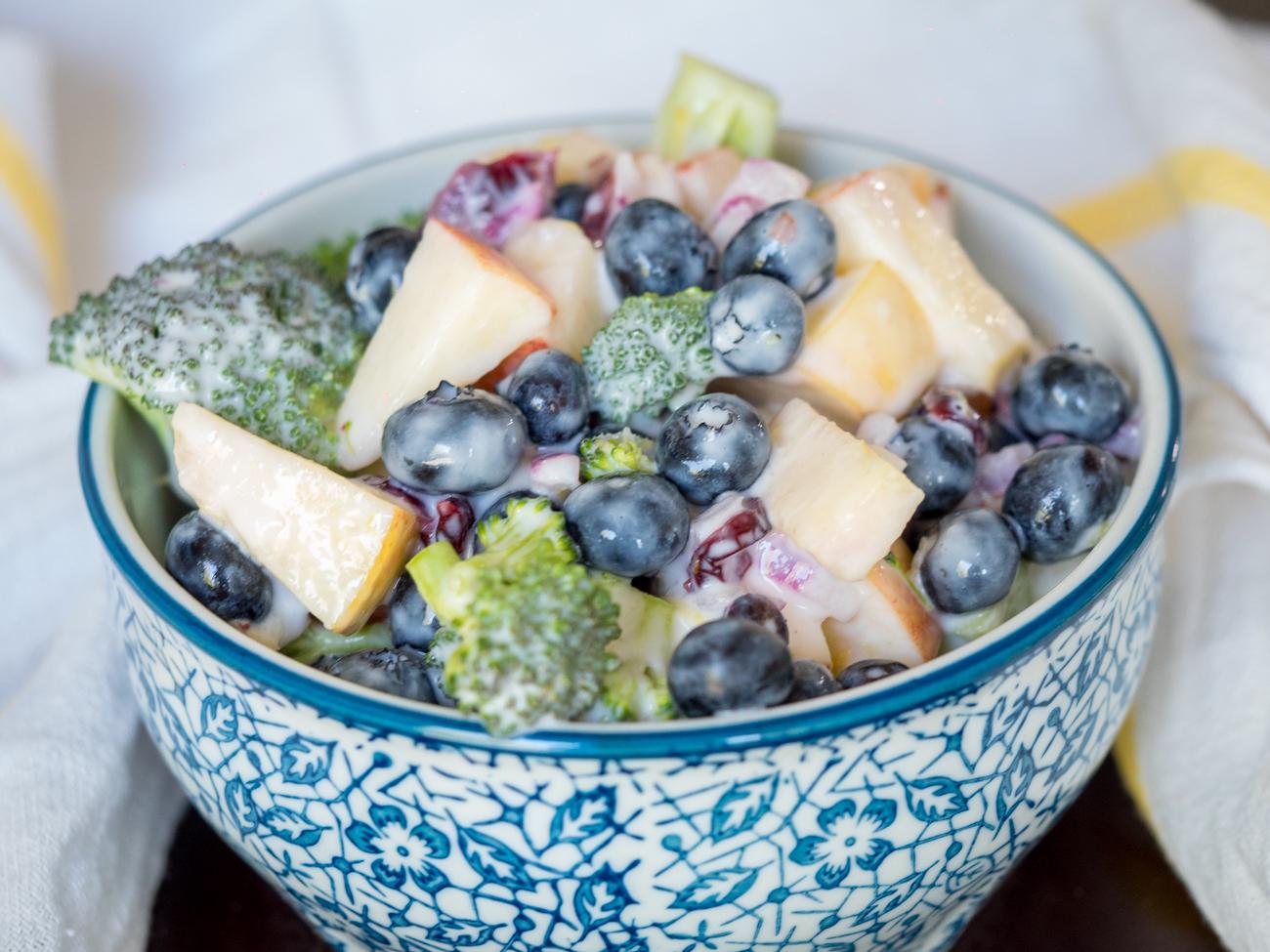 No Mayo Broccoli And Blueberry Salad 12 Tomatoes
