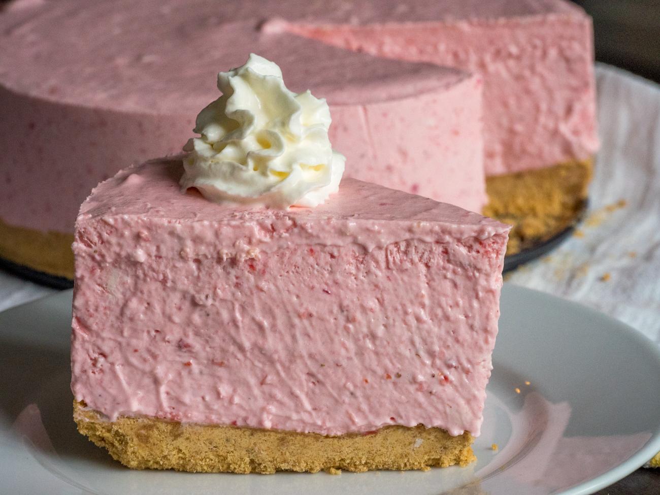 No-Bake-Strawberry-Cheesecake-7