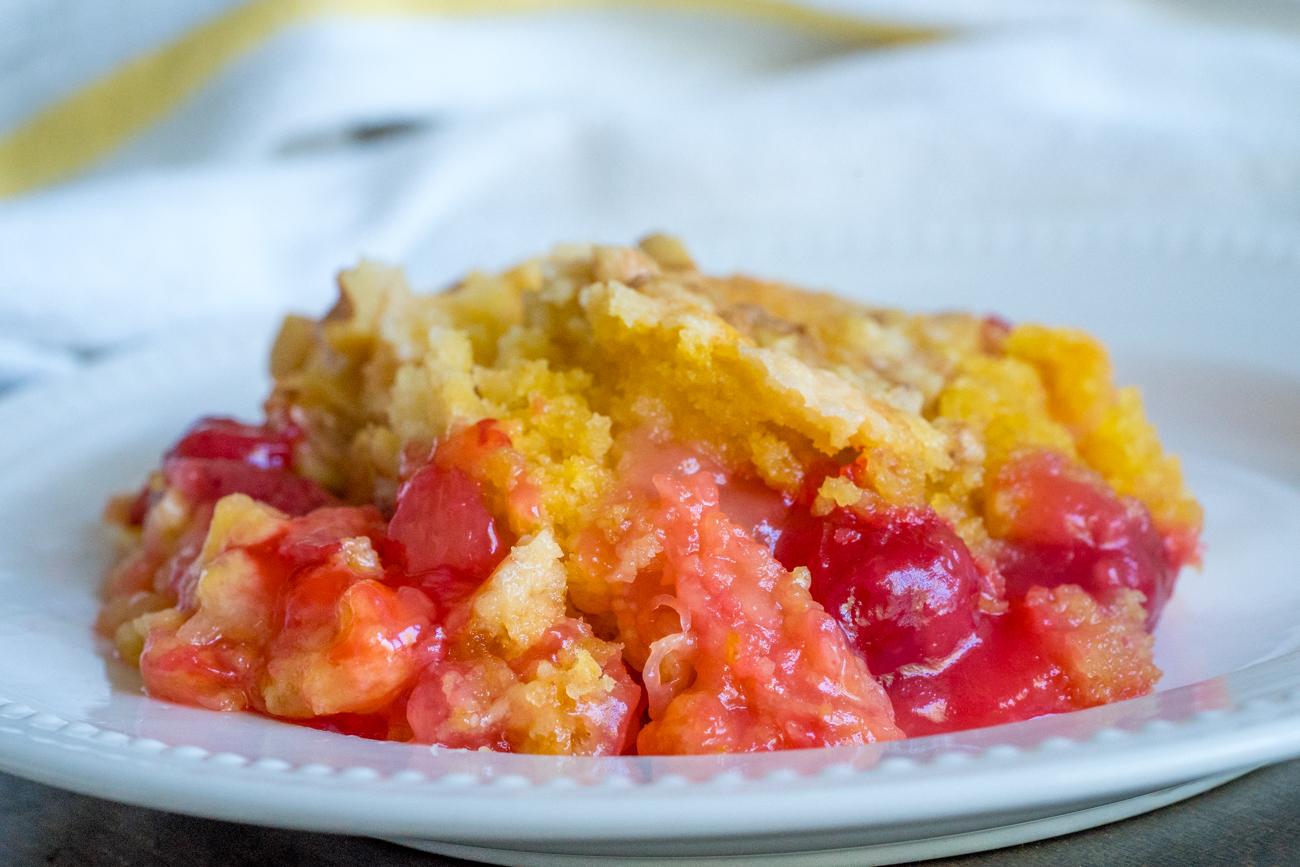 Cherry Pineapple Dump Cake 12 Tomatoes