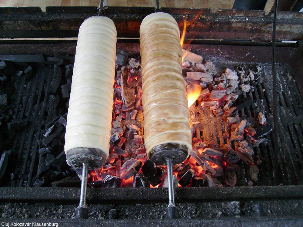 kürtőskalás or chimney cakes