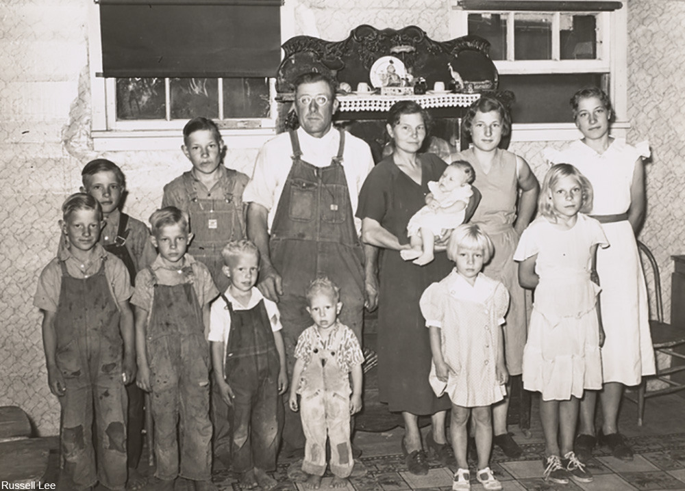 Family of William Rall, FSA (Farm Security Administration) client in Sheridan County, Kansas, 1939