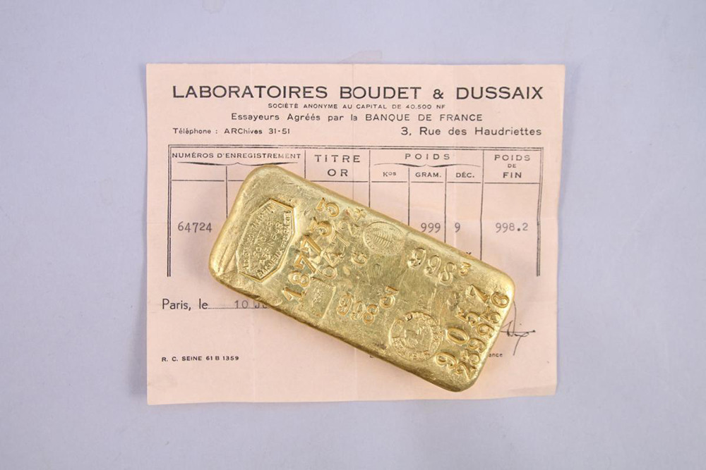 gold bar up for sale through Rouillac Auctions