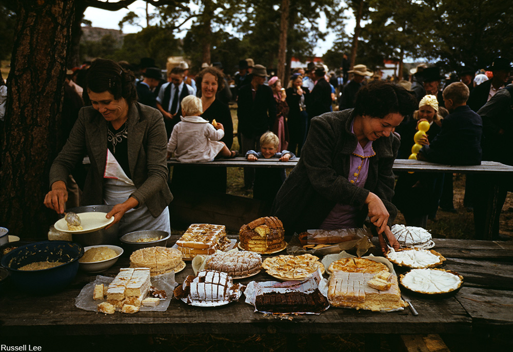 dessert table at Pietown fair, 1940