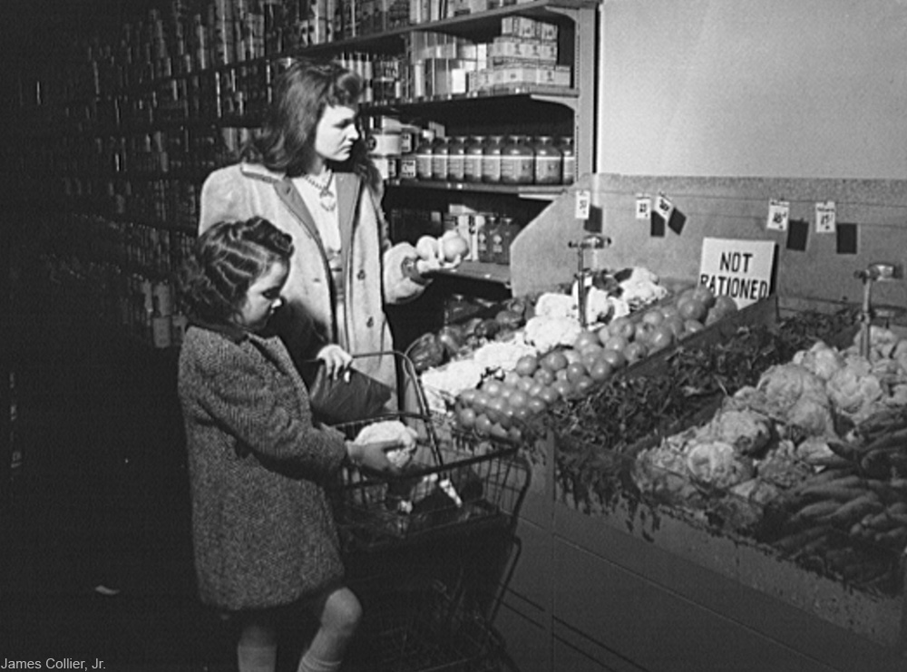 mother and daughter grocery shopping during WWII rationing in the U.S.