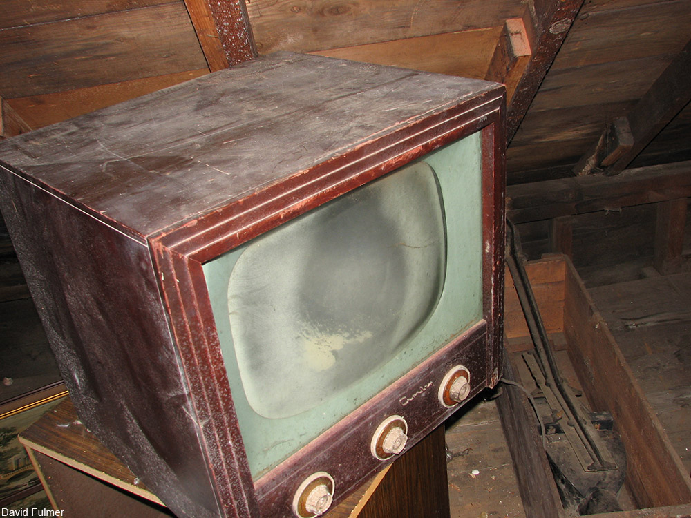 dusty vintage TV