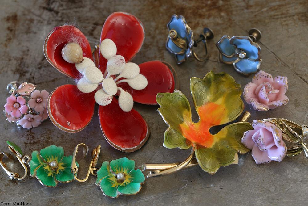 vintage enamel flowers brooches and earrings