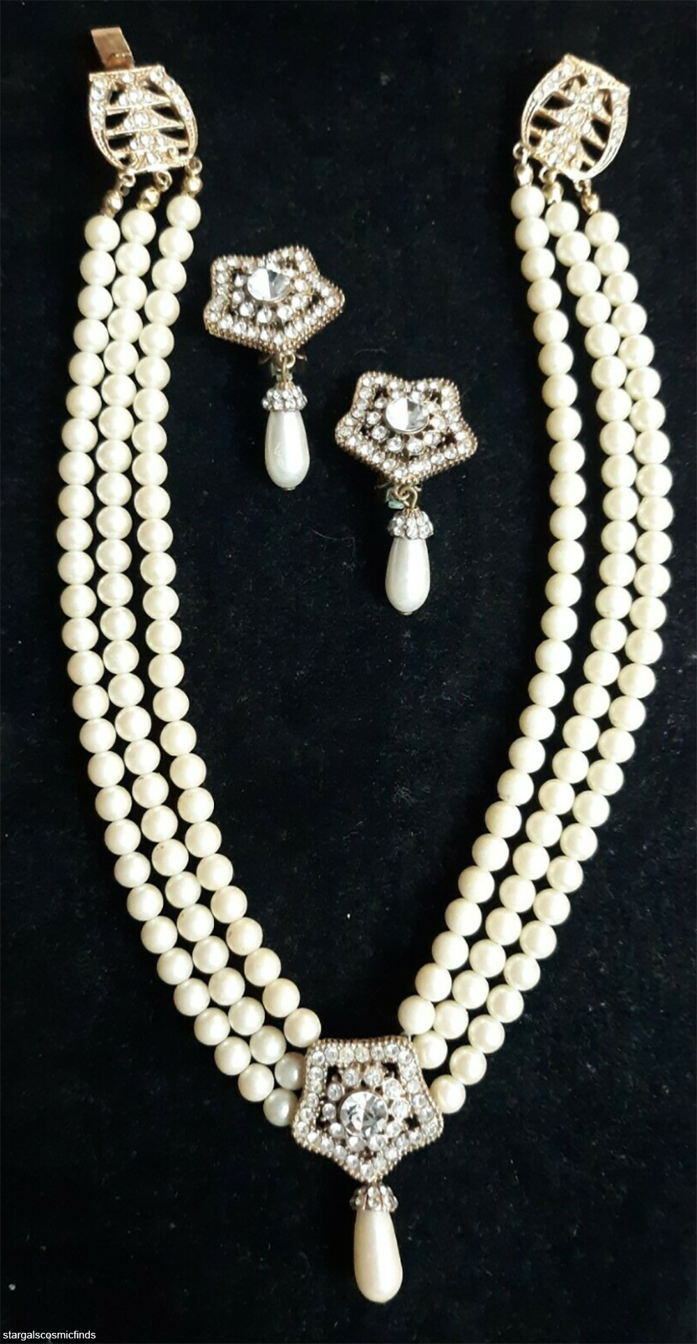 costume jewelry pearl necklace and earring set