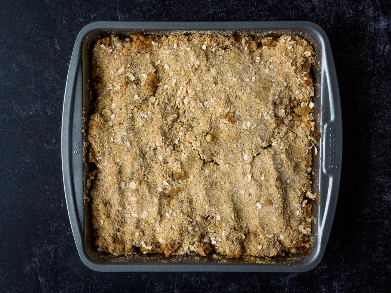 Cinnamon Apple Cornbread Crisp