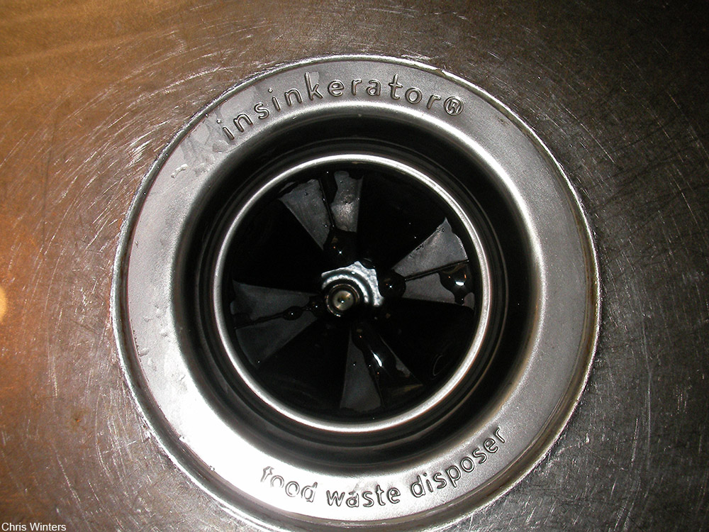 in-sink kitchen garbage disposal