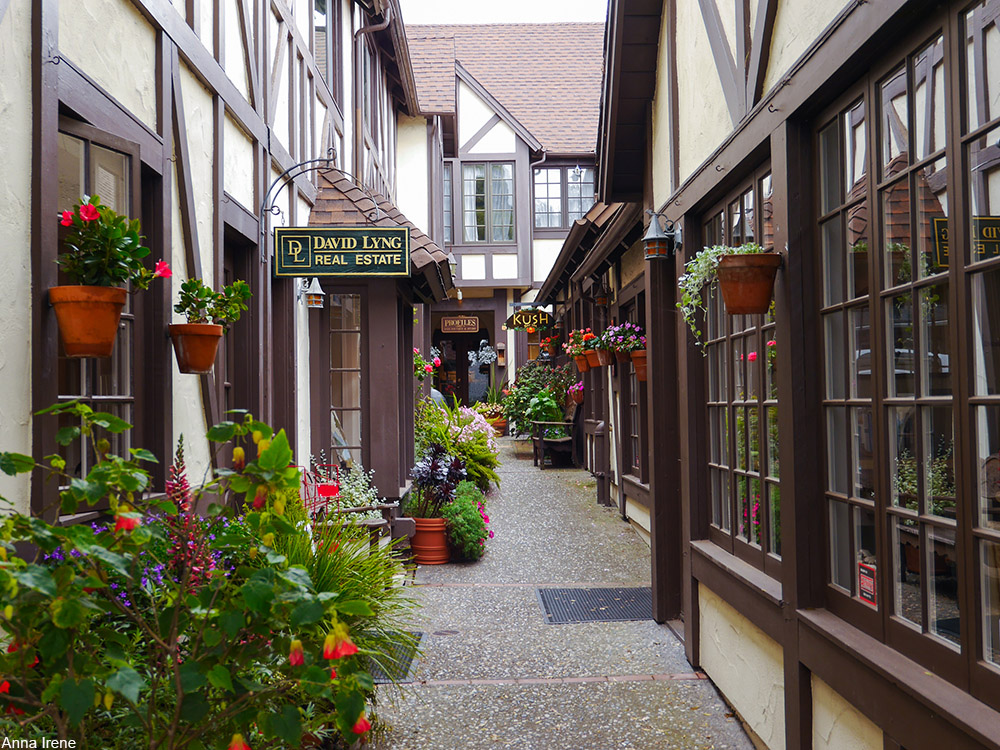 shops in Carmel-by-the-Sea
