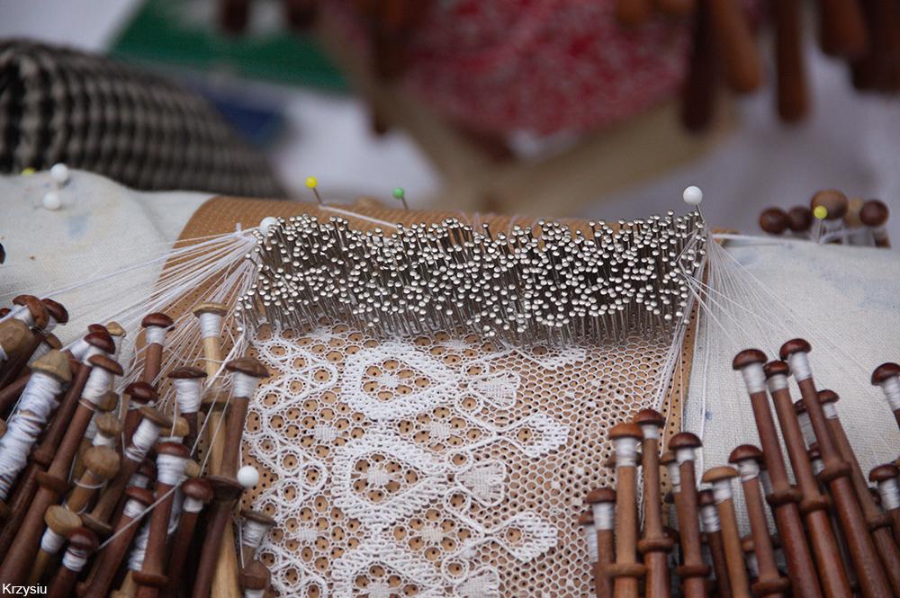 traditional bobbin lace making