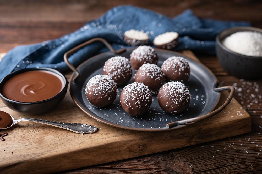 3 Ingredient Coconut Truffles