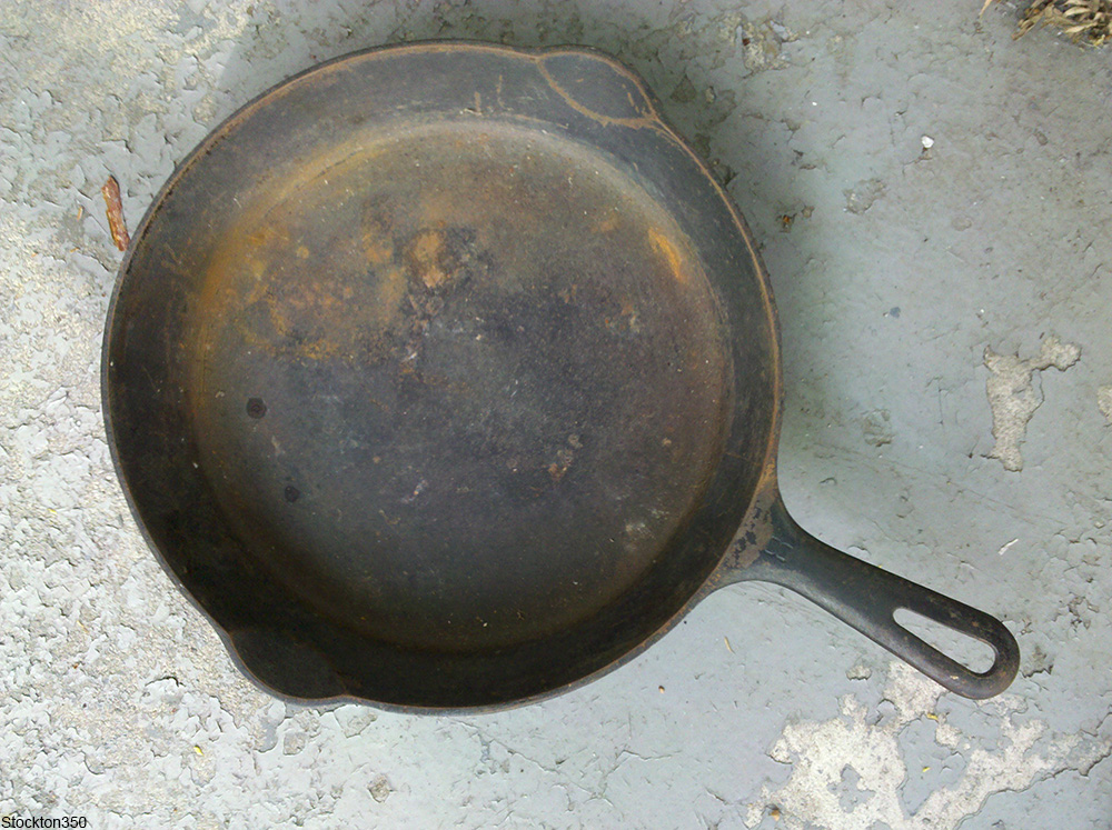 rusted cast iron skillet