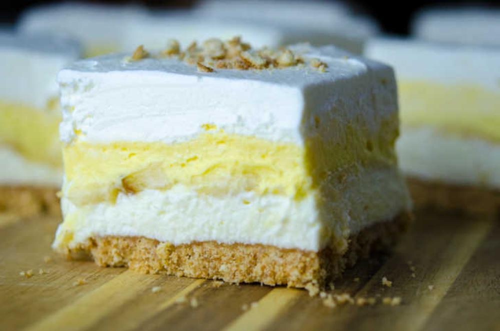 banana cream pie dessert bars