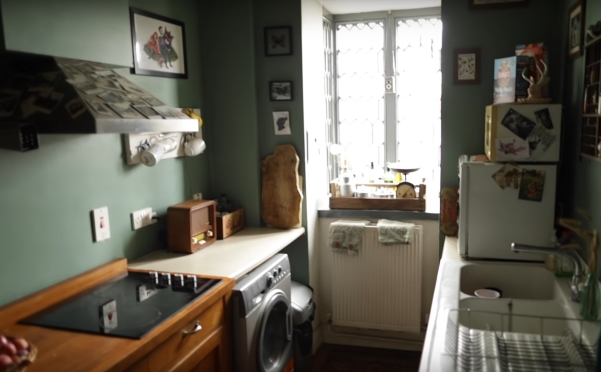 kitchen of the Loughgall Manor Estate gatehouse