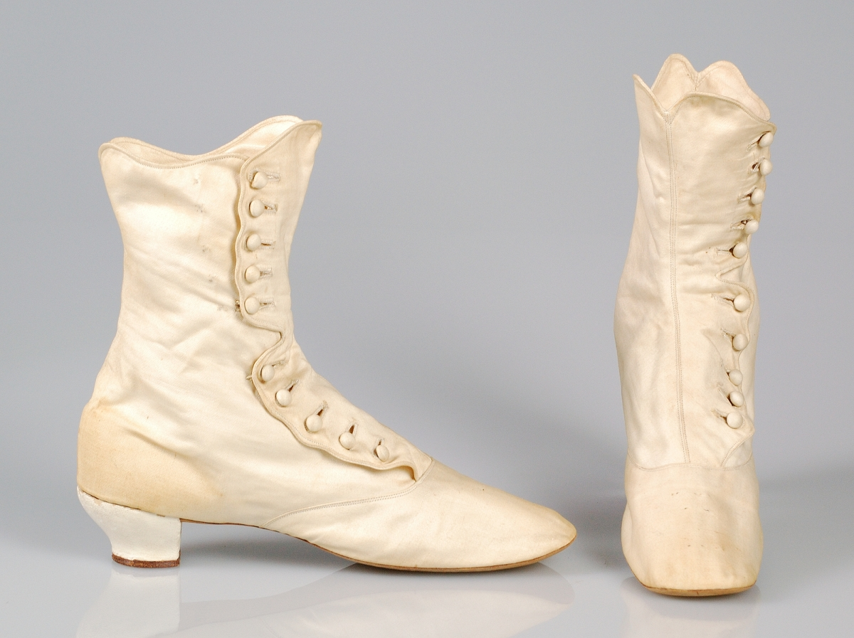 women's boots from the 1870s