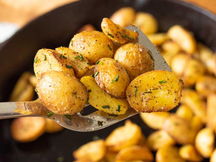 Crispy Salt and Vinegar Potatoes image 1