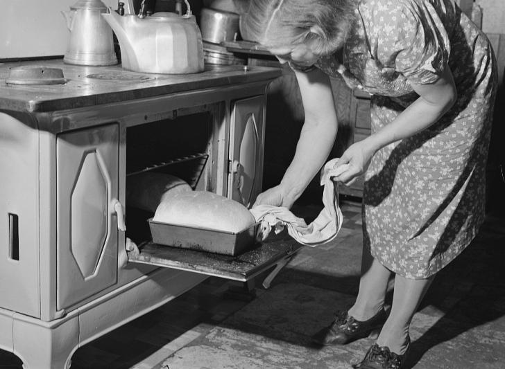 woman baking bread 1940