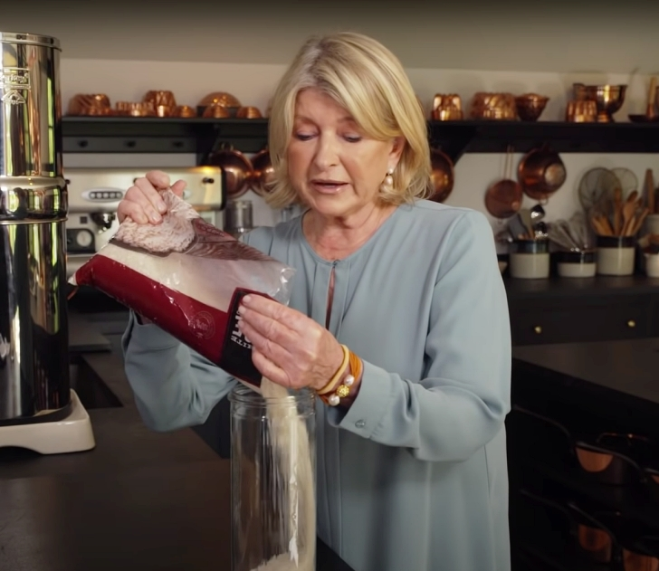 Martha Stewart decanting rice
