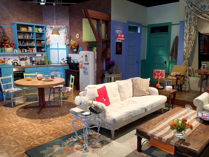Monica apartment Friends set