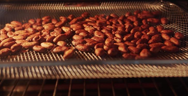 roasting cocoa nibs