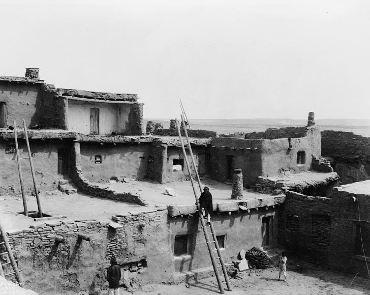 A:shiwi pueblo in the 1920s