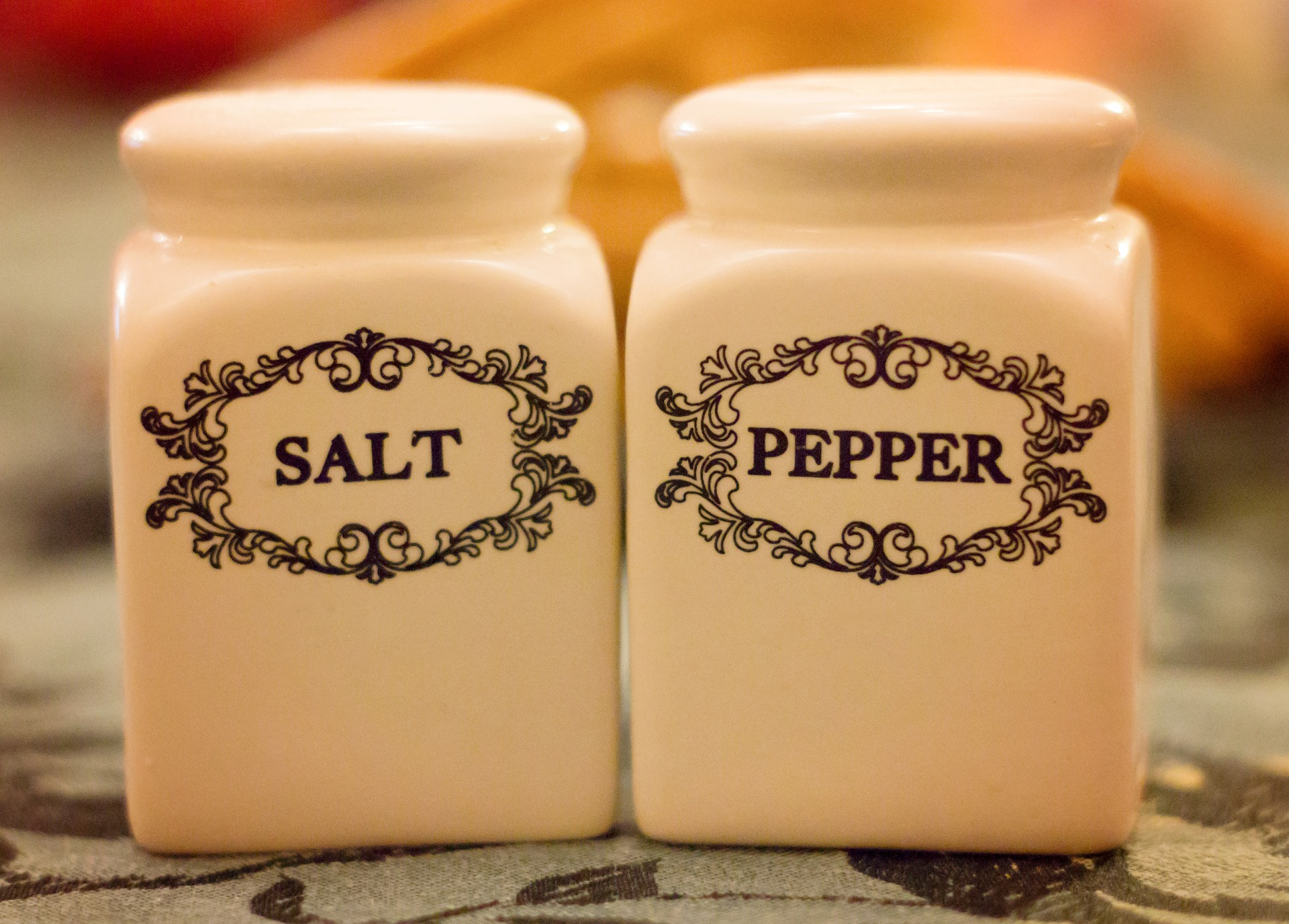 salt-and-pepper-shakers