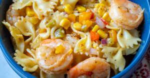 Close up of shrimp fajita salad in a bowl