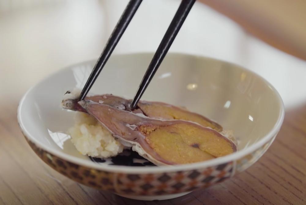 narezushi in a bowl