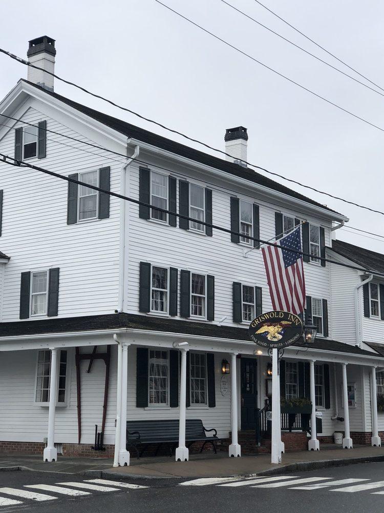 Griswold Inn Exterior