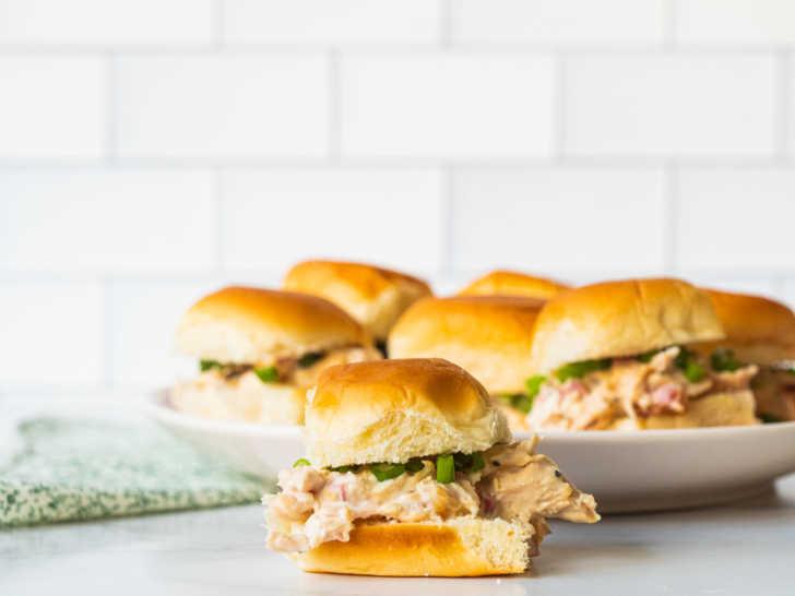 Slow-Cooker-Chicken-Cordon-Bleu-Sliders