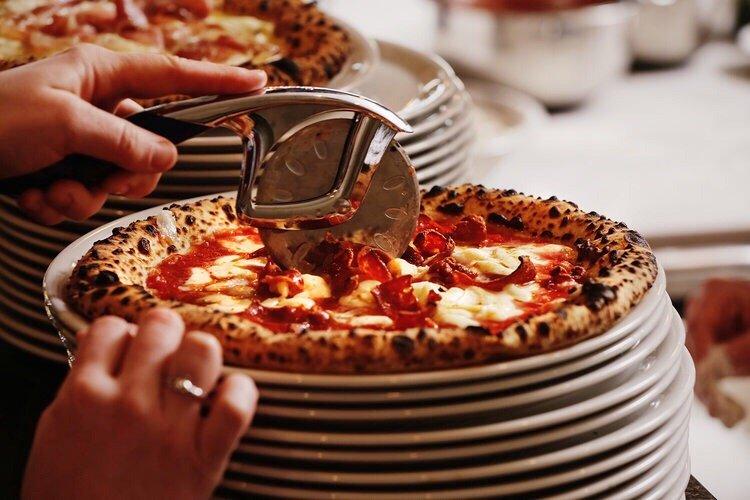 Piatto Neapolitan Pizza