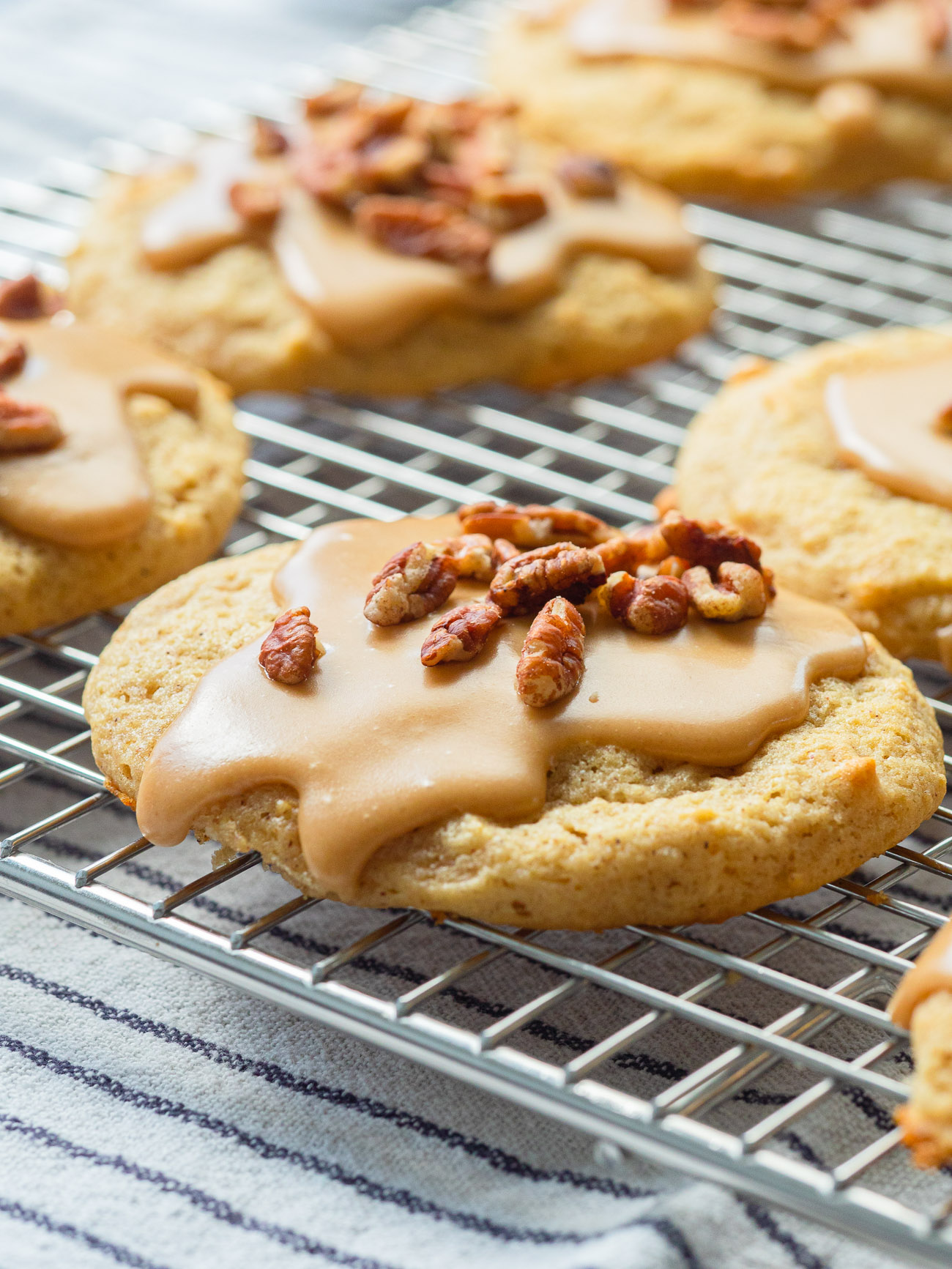 Frosted apple cider cookies