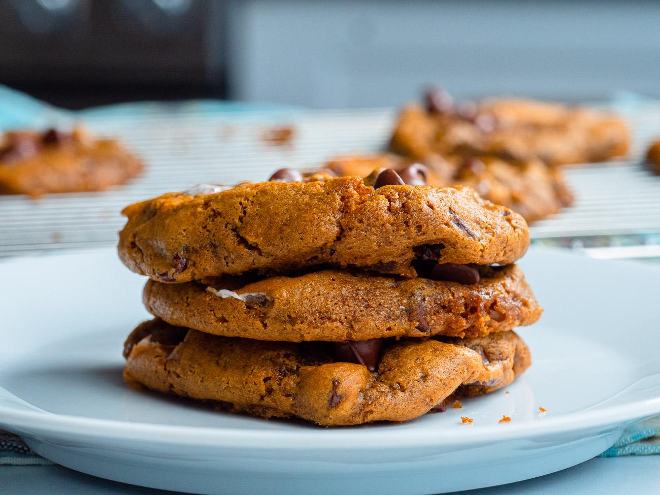 Pumpkin s'mores cookies