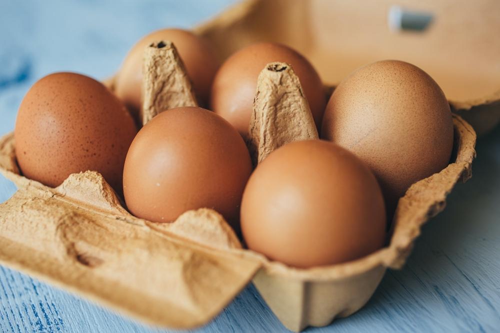 brown eggs in carton