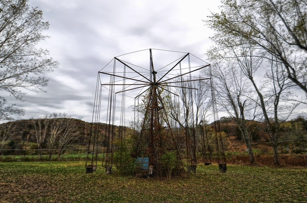 Built on the site where Native Americans burned a child at the stake before being slaughtered by avenging settlers, the Lake Shawnee Amusement Park was dogged by rumors that it was haunted.