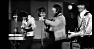 """The Tremeloes performing Cat Stevens' """"Here Comes My Baby"""" 1967"""