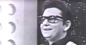 Roy Orbison on American Bandstand in 1966 Performing Pretty Woman