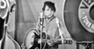 Johnny Cash Impersonates Elvis