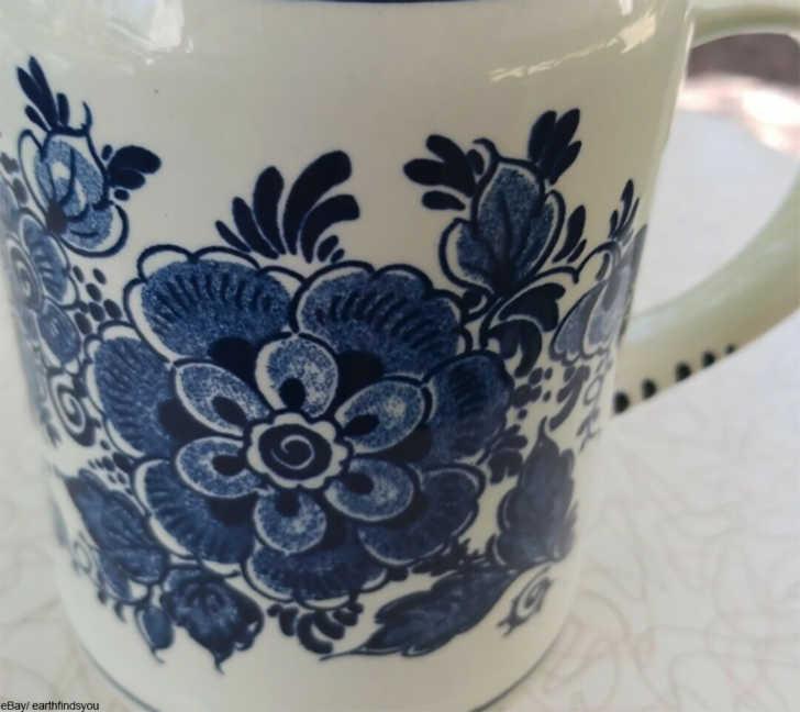 Handpainted Delft pot