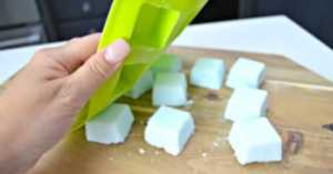 homemade toilet cleaning bombs