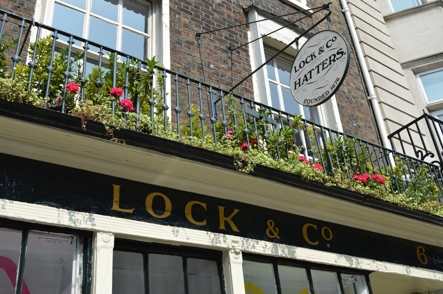 lock and co shop exterior