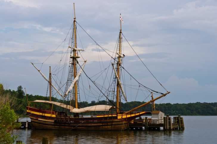 replica of the Dove, a ship that brough English settlers to Maryland