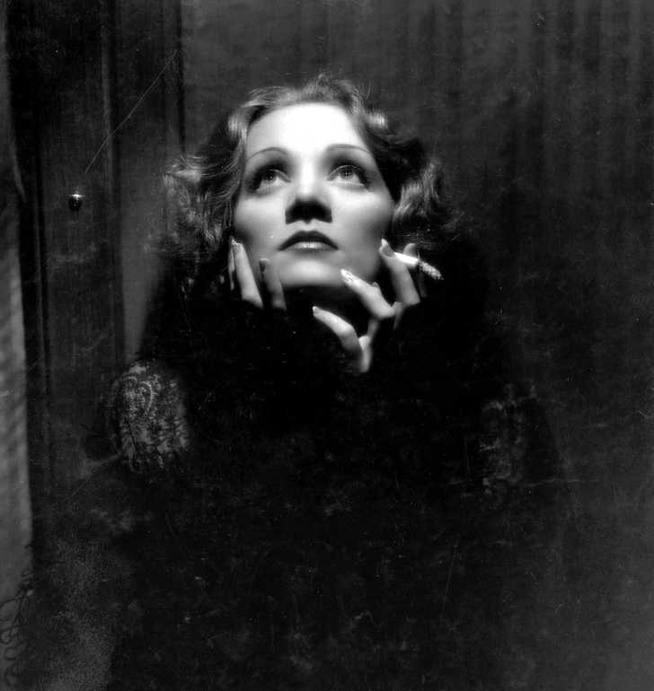 Publicity photo of Marlene Dietrich for the film Shanghai Express (1932)