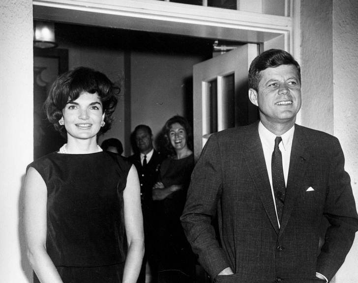 Pres JFK and Jackie at the White House in 1961