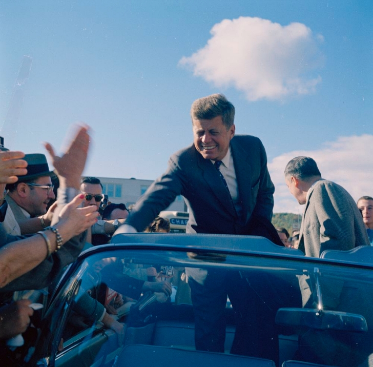 john f kennedy on the campaign trail, 1960