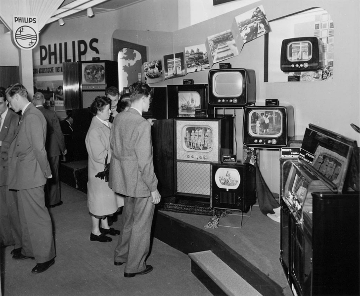 early 1950s TV shopping