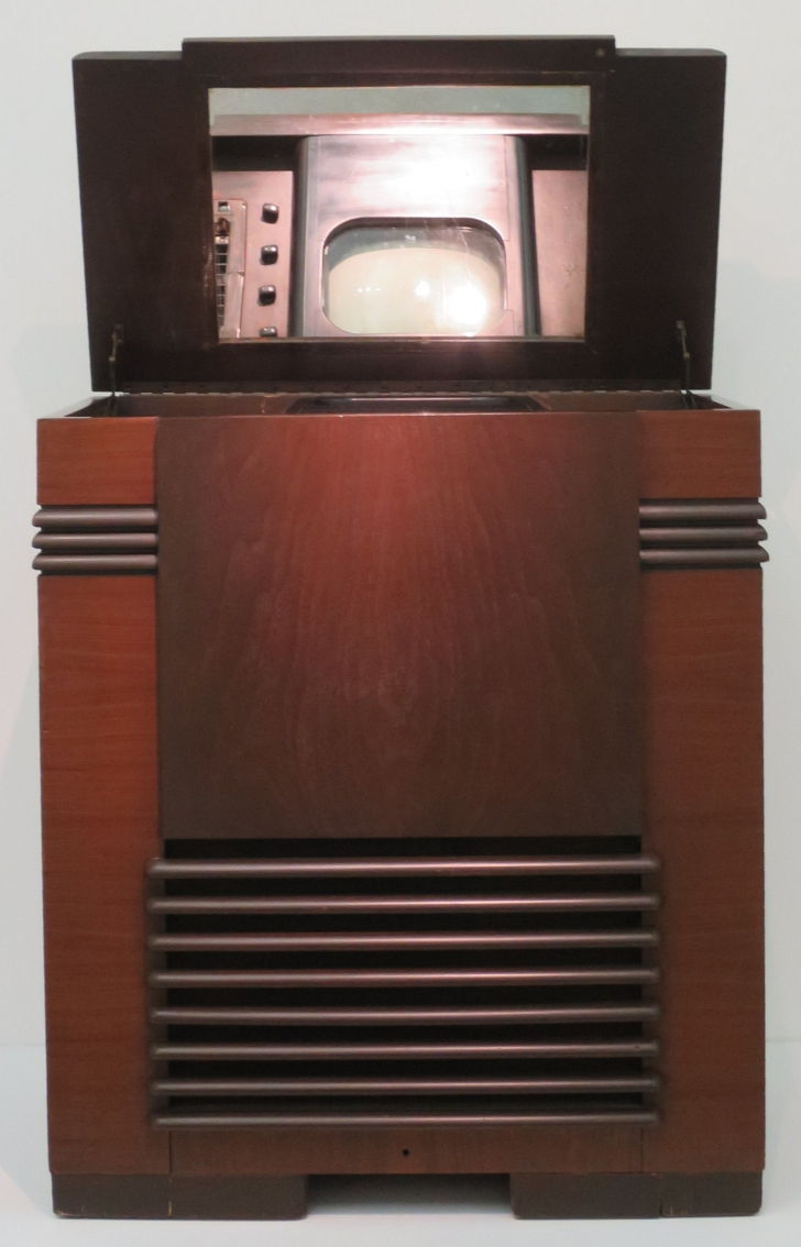 1939 Wolfsonian TV with vertical presentation and a mirror to reflect the screen forward