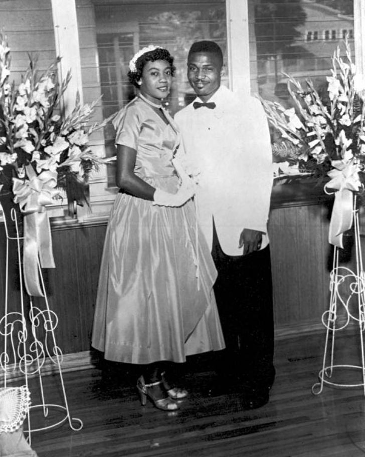 1950s couple getting married