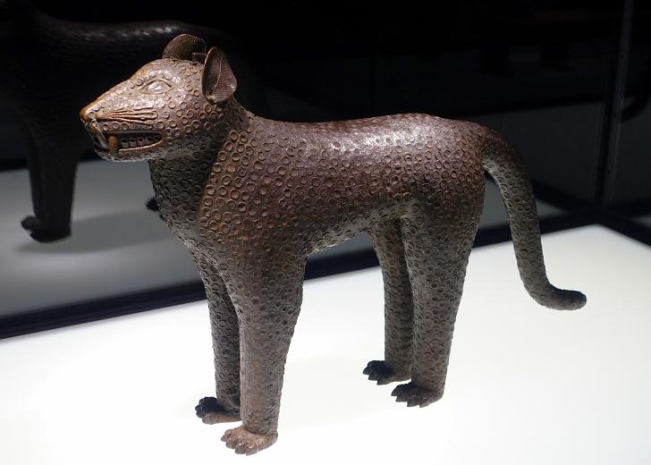 leopard Benin Bronze on display in Berlin